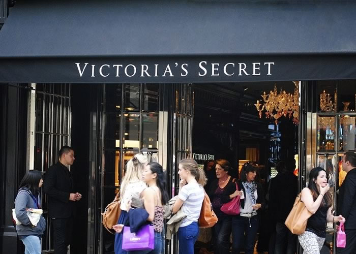 Greenwich awnings for Victoria's Secret in Bond Street